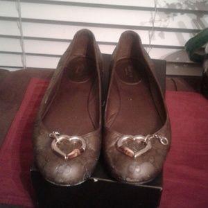 Authentic gorgeous gucci shoe